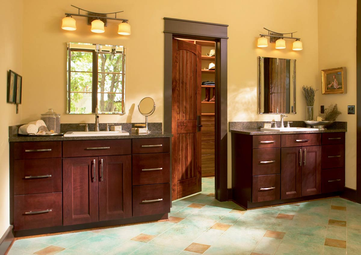 Waypoint Bathroom Style 420T in Cherry Bordeaux