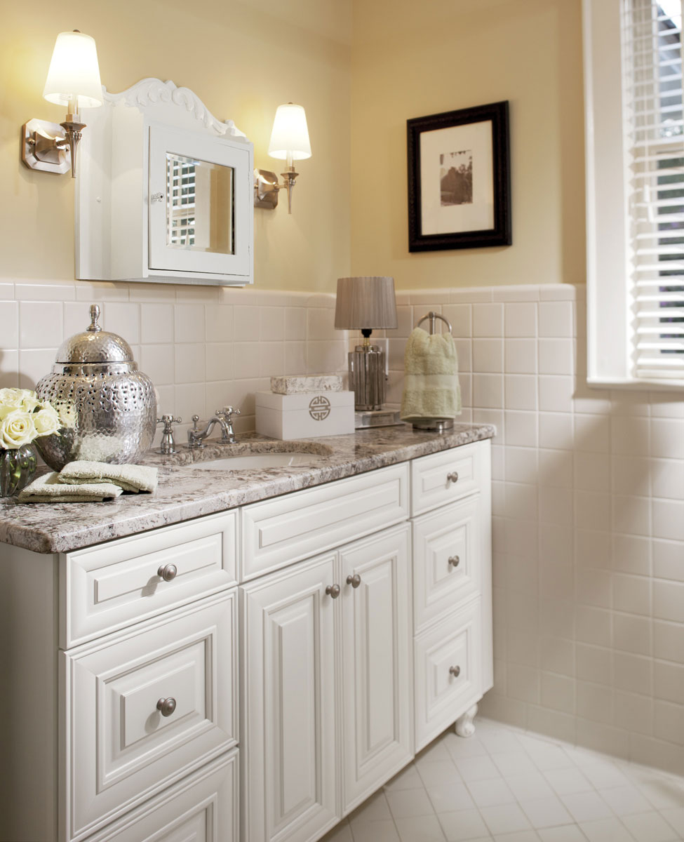 Waypoint Bathroom Style 720 in Painted Linen