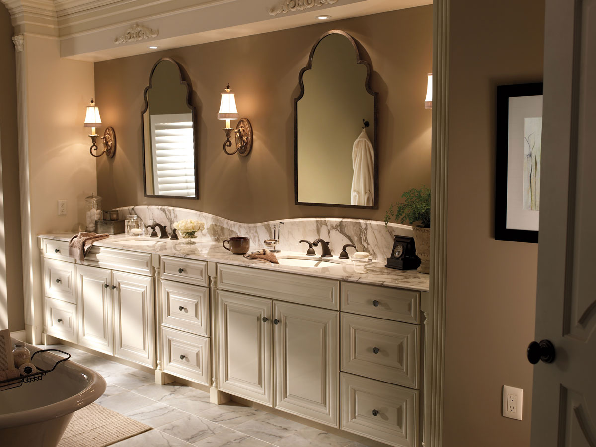 Waypoint Bathroom Style 720 in Painted Silk