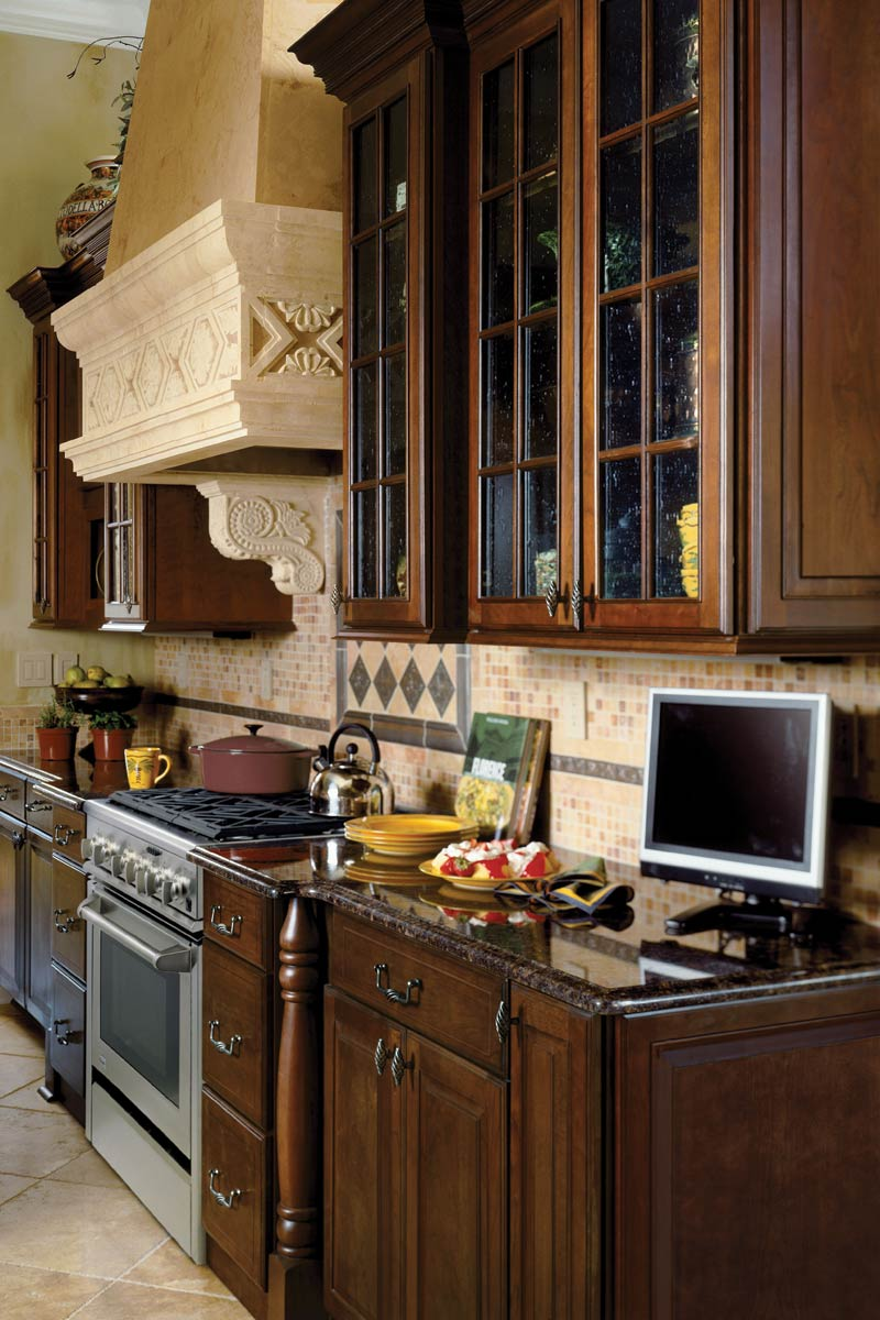 Waypoint Kitchen Style 612 in Cherry Chocolate Glaze