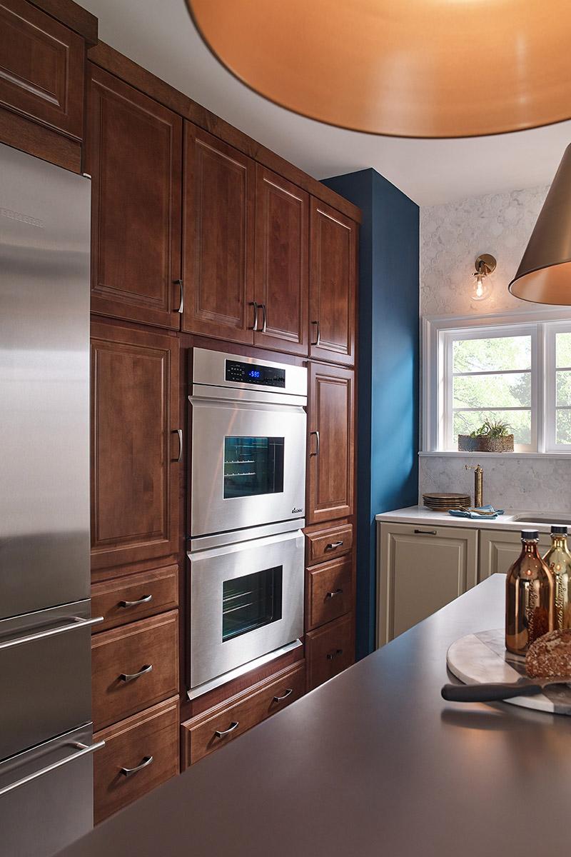 Waypoint Kitchen Style 540 in Maple Truffle