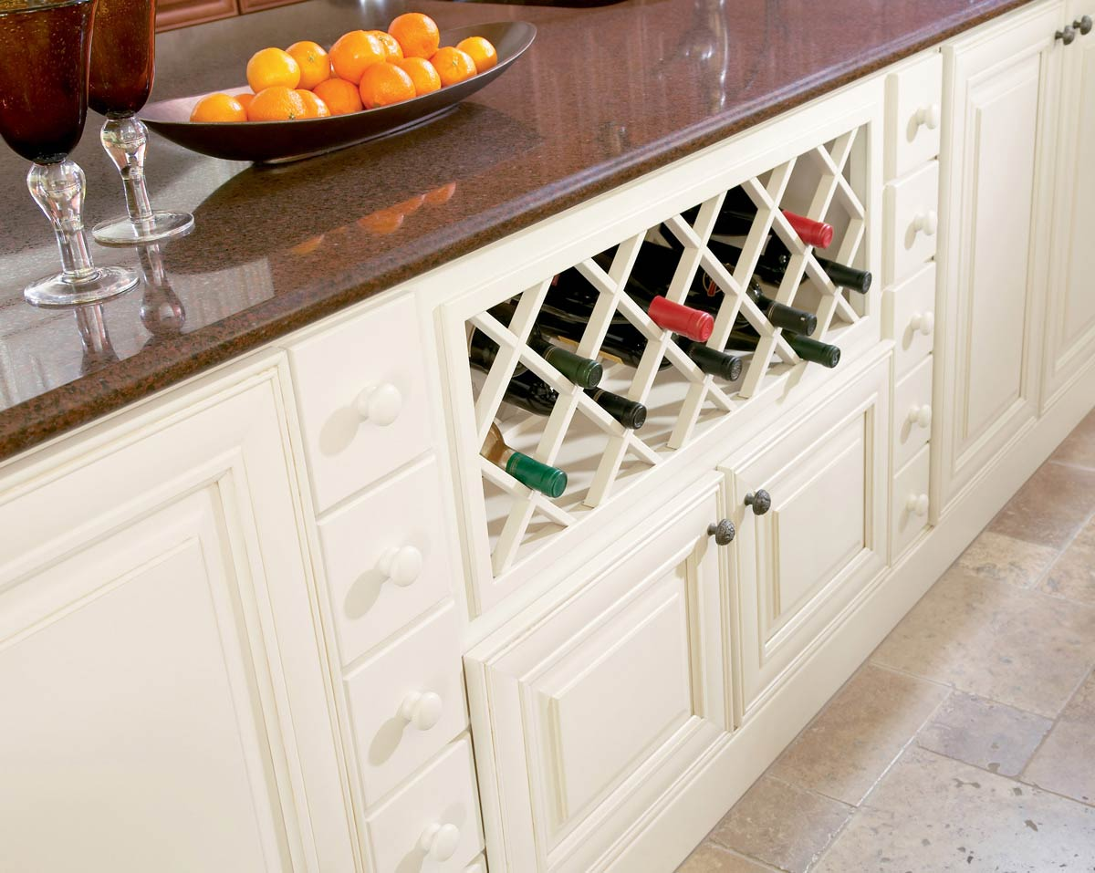 Waypoint Kitchen Style 720R in Painted Butterscotch Glaze