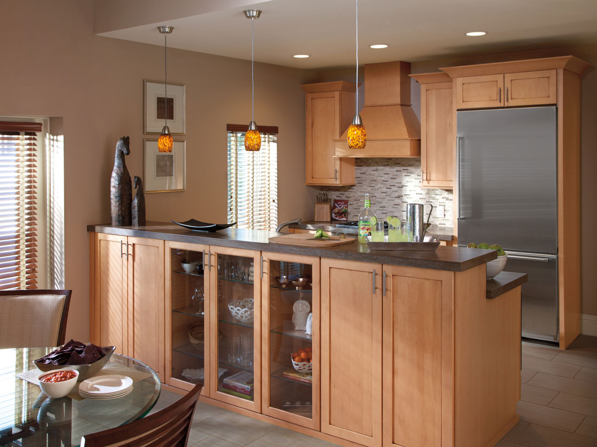 Waypoint Kitchen Style 630 in Maple Coffee Glaze