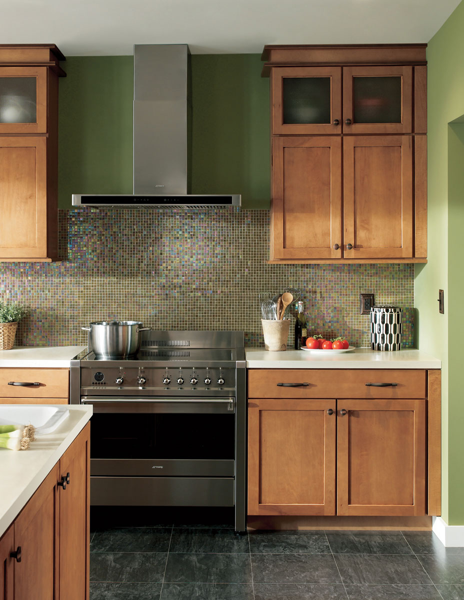 Waypoint Kitchen Style 630 in Maple Mocha Glaze