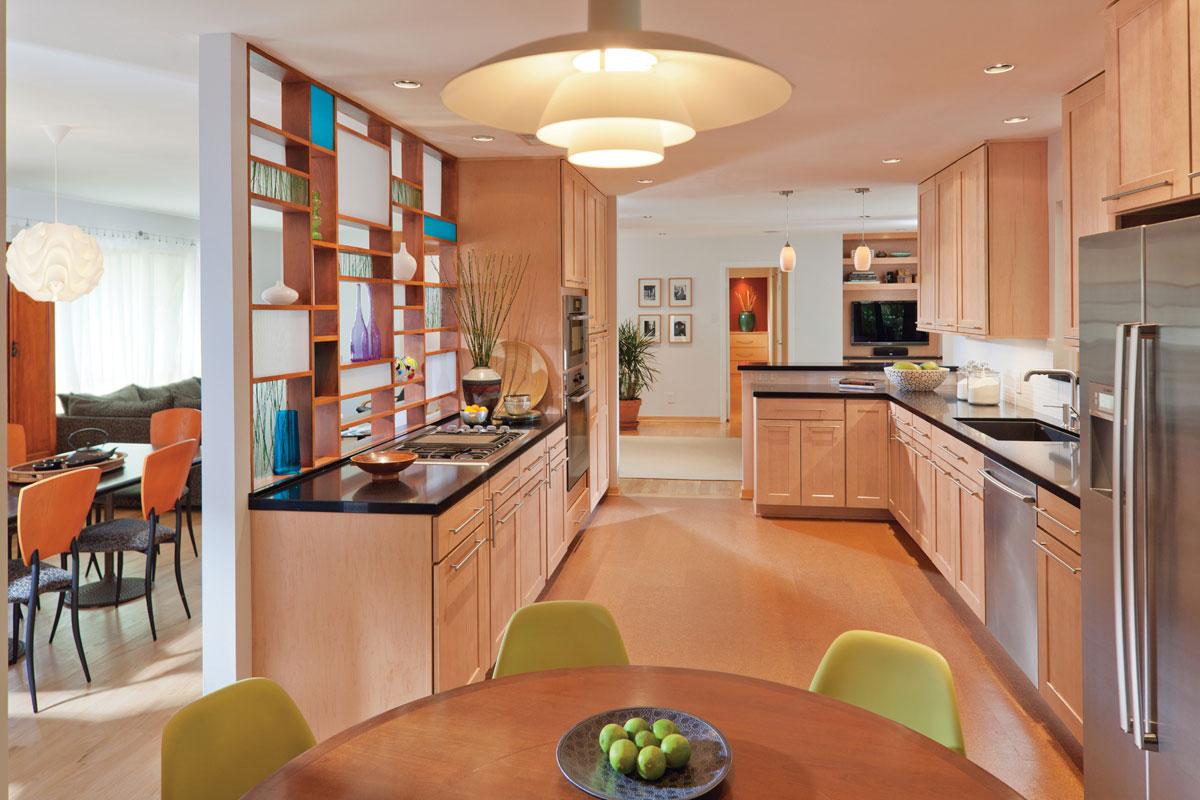 Waypoint Kitchen Style 650 in Maple Honey