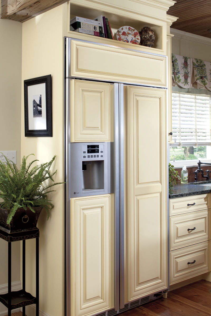 Waypoint Kitchen Style 720 in Painted Butterscotch Glaze