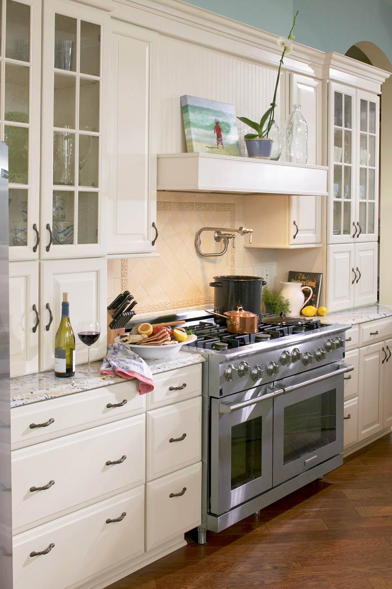 Waypoint Kitchen Style 610D in Painted Silk