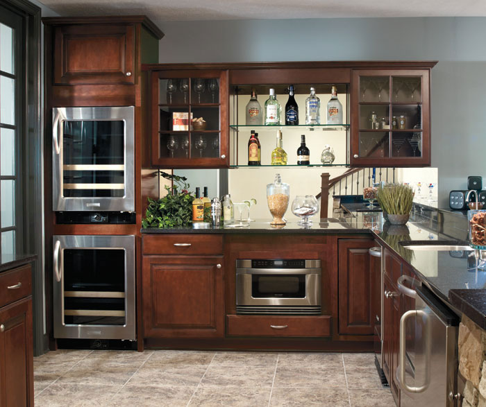 Dark Maple Cabinets In Casual Kitchen Casa Amazonas Lancaster California