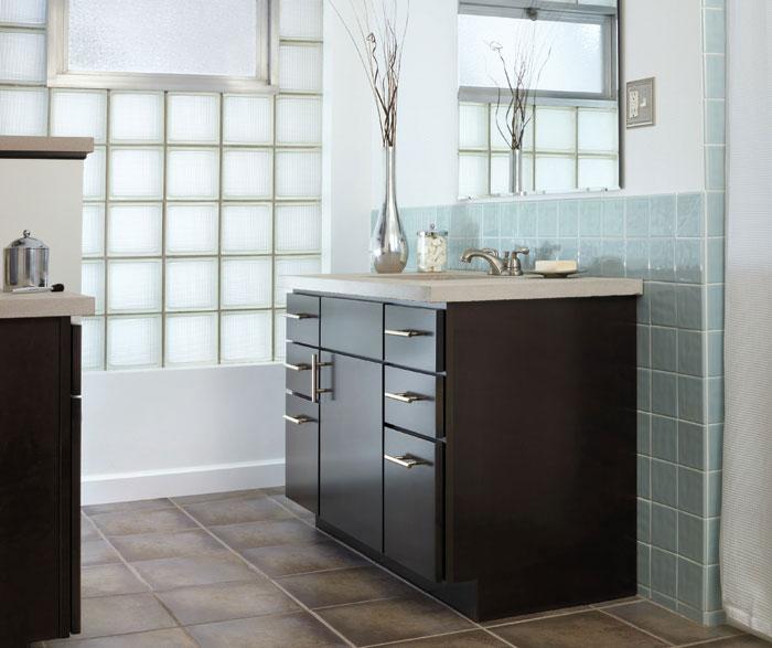 Dark Wood Cabinet In Contemporary Bathroom Casa Amazonas