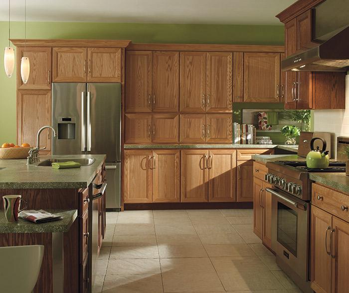Dark Oak Kitchen Cabinets: Natural_oak_cabinets_dark_kitchen_island_2