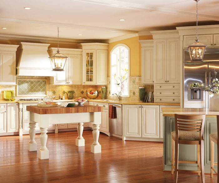 Off White Cabinets With Glaze Traditional Kitchen 2 Casa Amazonas Lancaster California