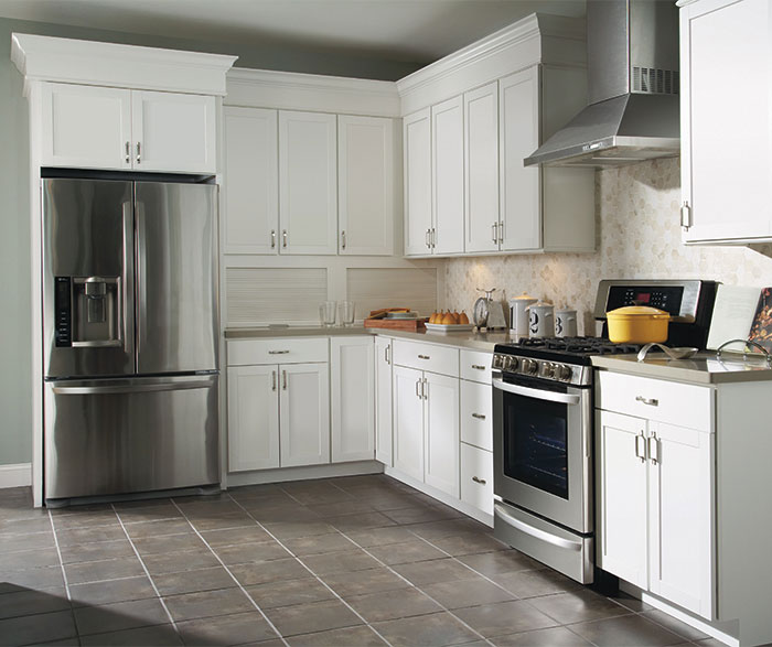 White laminate kitchen cabinets casa amazonas for Kitchen cabinets jackson