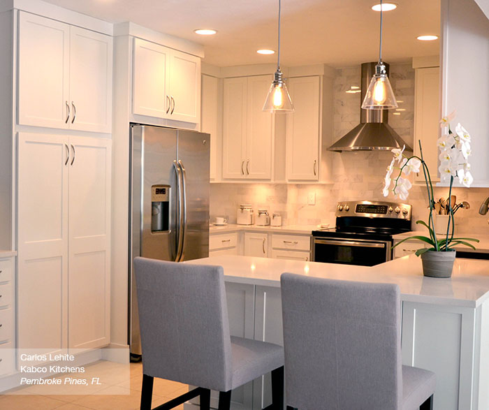 White shaker kitchen cabinets casa amazonas lancaster for Amazon kitchen cabinets