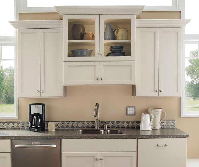 Beau Rustic Alder Kitchen
